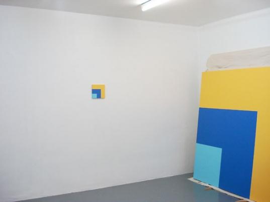 http://hugopernet.com/files/gimgs/th-19_04_ Rouge jaune bleu (catalogue)_ Acrylique sur toile, 20x20 cm.jpg