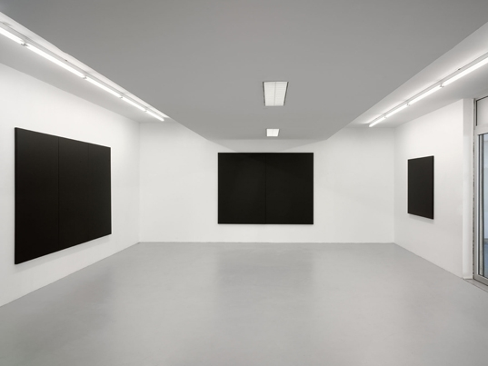 http://hugopernet.com/files/gimgs/th-23_peintures blanches (3,2,1)_ photo andré morin copie web.jpg