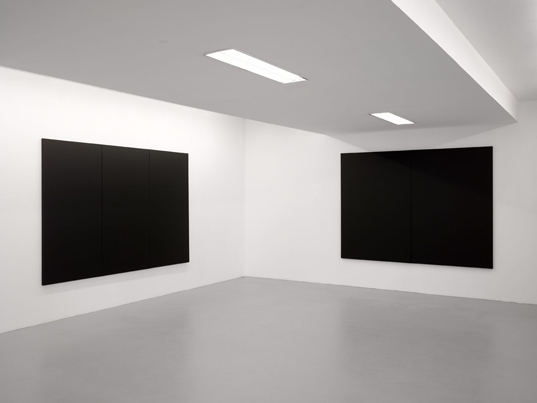 http://hugopernet.com/files/gimgs/th-23_peintures blanches (3,2)_ photo andré morin copie web.jpg